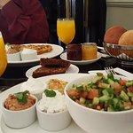 ארוחת בוקר בקופי בר