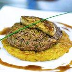 Foie gras, sur tartare de boeuf sur lit de rösti, incroyable !