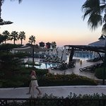 Crystal Flora Beach Resort resmi