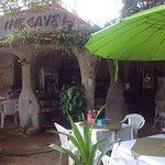 The Cave Bar & Restaurant Foto