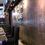 Muy agradable restaurante. Comida deliciosa y personal amable. Para pareja, familia o negocios.