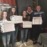 Les filles de l uscm pour la soirée pizzas.!!!! Attention au dopage les nanas ! !!