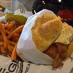 Flatire Burgers의 사진