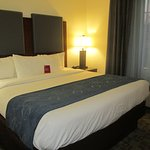 Comfort Suites Resmi