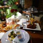 Excelente lugar, la comida es exquisita, el diseño súper acogedor, la mejor atención que se pued