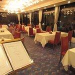 フランス料理レストラン『ヴォジュール』では熊谷の街並みを眺めながらお食事をお楽しみいただけます