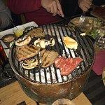 Ambiance et déco sympa j'ai goûté à toutes leurs spécialités la raclette good la fondu pas excep
