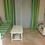 Photo de Apartamentos Esmeralda Suites