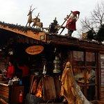 Auf dem Weihnachtsmarkt vor dem ALEX.