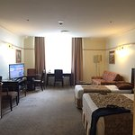 Photo de Royal Albert Hotel