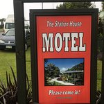 Gambar The Station House Motel