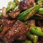Stir fried beef tenderloin with okra in pepper sauce