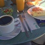 Rico Desayuno en agradable lugar, con buena vista a volcanes ☺️