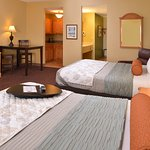 Two Queen Beds Presidential Suite