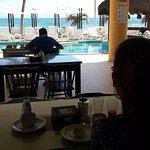 Lugar de desayuno, con vista al mar