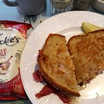 Reuben sandwich with real kettle chips