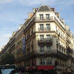 Hotel Plaza Opera - At the corner of Rue Maubeuge and Rue Lamartine