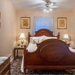 Lillie Marlene, A Fredericksburg, Texas Guesthouse Image