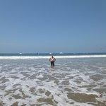 Disfrutando de la playa en Punta Sal