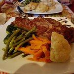 la viande de boeuf et légumes