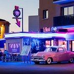 L'Ed Wood Café au coucher du soleil