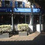 Ce restaurant est placé dans une des jolies ruelles de Sainte-Maxime