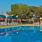 Alberca y chapoteadero con calefaccion, Restaurant, Pool-Bar, Juegos Infantiles, Ping-pong.