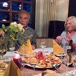 Wir waren sehr zufrieden mit wunderbaren Tapas, Fisch, Steak und Wein.