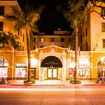 Guests at Hotel Santa Barbara enjoy diverse nightlife such as theater, movies and dining.