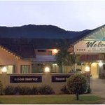 Cannon Park Motel in Cairns a boutique Motel, Best in Cairns has same rating as the big tourist