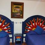 La decoracion de la habitacion es muy original y pintoresca.