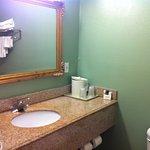 Photo of Vista Inn & Suites Memphis
