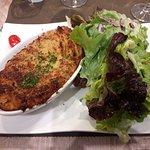 Pavé de cabillaud avec purée de PdT maison et salade