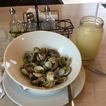 Clams with garlic and lemonade smoothee