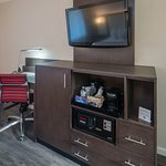 Enjoy our new, flatscreen TVs with complimentary HBO. Each room also has free wifi and snacks.