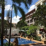 Royal Empire Hotel Photo
