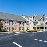 Photo of Red Roof Inn & Suites Knoxville East