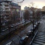 Ausblick aus dem Fenster auf die Stresemannstraße.