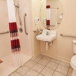 Photo de Red Roof Inns & Suites Pensacola East - Milton