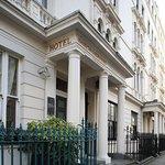 Photo de Kensington Gardens Hotel