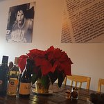 New look * Great pizza * Great food * Good wine * Good company IL SORRISO CAFE & PIZZERIA