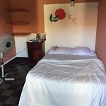 Photo de Lazybones Hostal