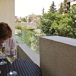 Pequeña terraza donde tomar un aperitivo