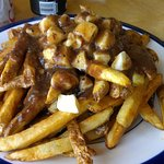 Ah oui, j'aime la belle province. Look at this plate of perfection. Perfect fries, curds, gravy.