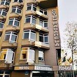 Photo de Pasarela Hotel