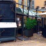 La devanture du restaurant, en hiver les deux terrasses fermées!!!