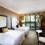 迪拜布斯坦羅塔娜酒店