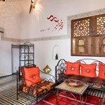 Salon Paprika suite Riad Jamaï