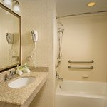 Photo of Holiday Inn Express Hotel & Suites Columbia East - Elkridge