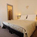 000714 Guest Room
